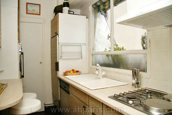 Ah Paris vacation apartment 230 - cuisine2