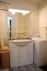 Ah Paris vacation apartment 244 - sdb