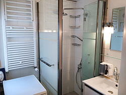 Ah Paris vacation apartment 275 - sdb2