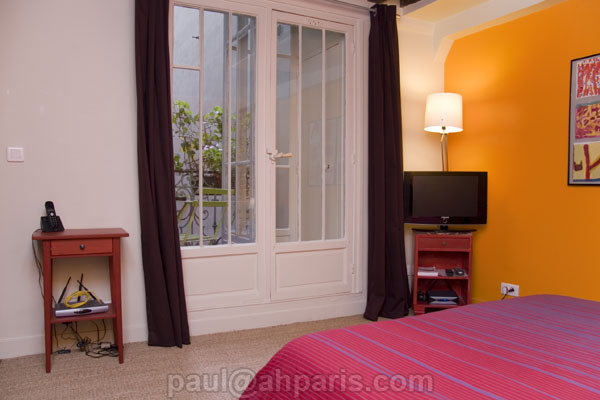 Ah Paris vacation apartment 285 - salon3