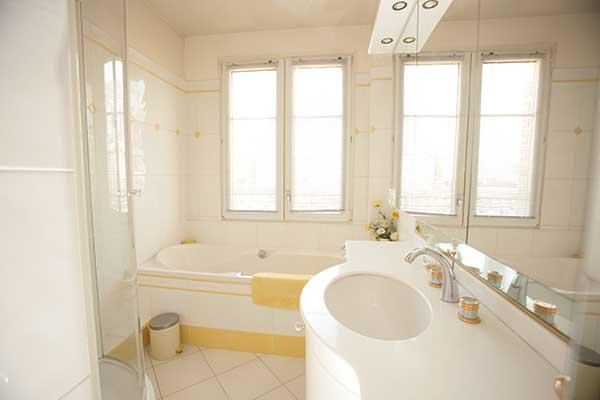 Ah Paris vacation apartment 324 - sdb4
