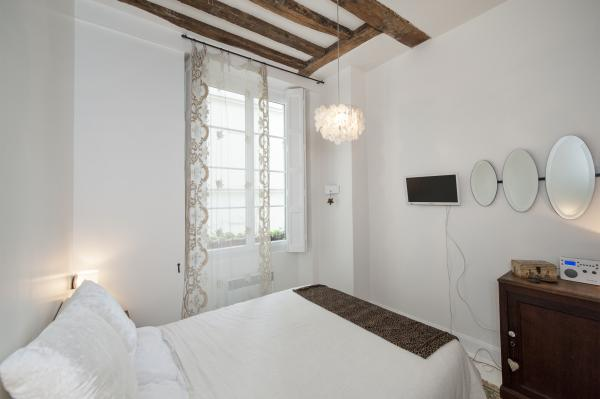 Ah Paris vacation apartment 344 - chambre