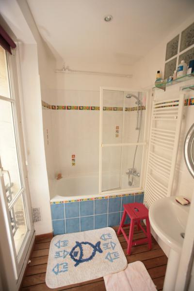 Ah Paris vacation apartment 365 - sdb