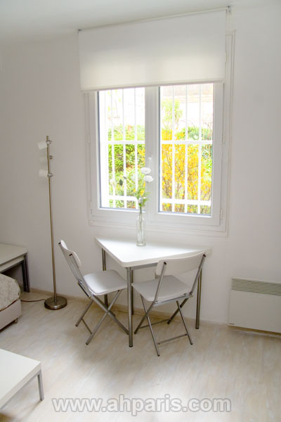 Ah Paris vacation apartment 372 - sam