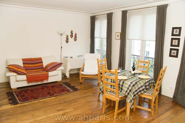 Ah Paris vacation apartment 394 - salon2