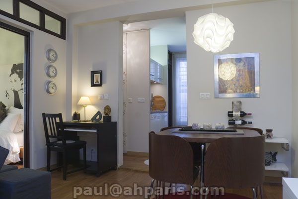 Ah Paris vacation apartment 416 - salon3